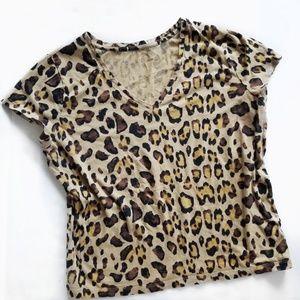 Cheetah Leopard V-Neck Basic Tee Large